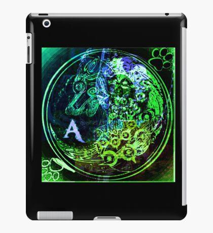 Emerald Alpha Emblem  iPad Case/Skin