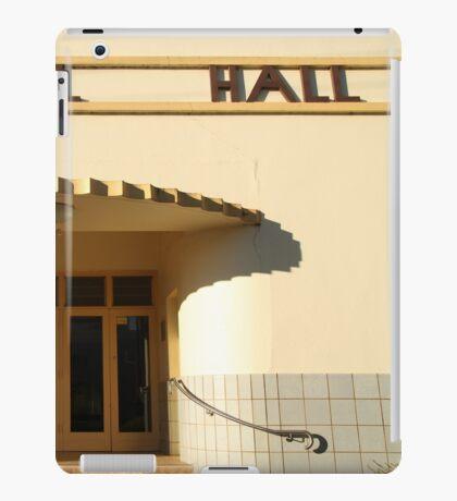Art Deco Memorial Hall, Lockhart iPad Case/Skin