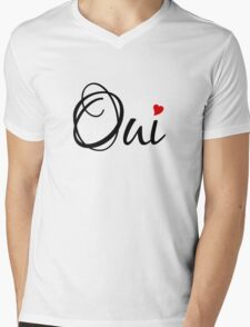 Oui, yes, French word art with red heart Mens V-Neck T-Shirt