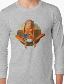 Monkey play Long Sleeve T-Shirt