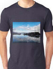 Lyme Harbour........ Dorset uk Unisex T-Shirt