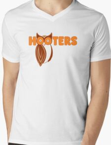 Hooters  Mens V-Neck T-Shirt