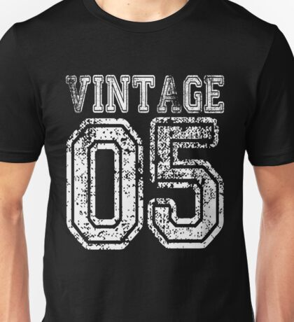 Vintage 05 2005 T-shirt Birthday Gift Age Year Old Boy Girl Cute Funny Man Woman Jersey Style Unisex T-Shirt