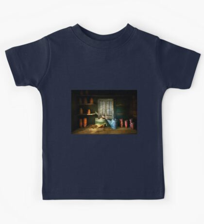 Gardener - The potters shed Kids Tee