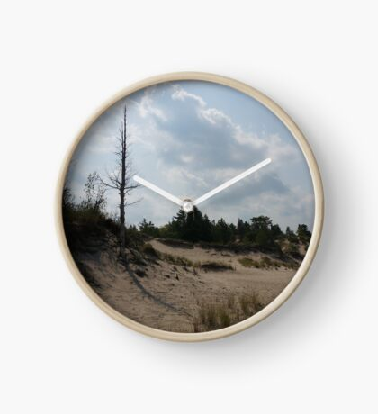 Sand dunes with a tree Clock