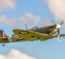 Supermarine Spitfire Ia AR213 G-AIST by Colin Smedley