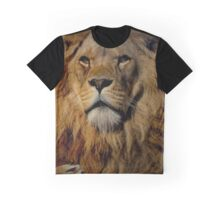 Portrait of a Proud Male African Lion with Amber Eyes Graphic T-Shirt