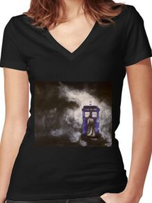 The Doctor and his Tardis in the Mist Women's Fitted V-Neck T-Shirt