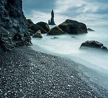 30 seconds on planet reynisdrangar by Simon Bauer