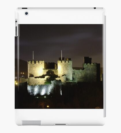 Conwy Castle at night iPad Case/Skin
