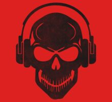 Skull with Headphones - Rave - Electro - Hardstyle T-Shirt