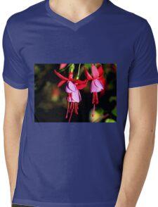 Red & Mauve Fuchsia Mens V-Neck T-Shirt