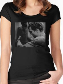 ELEVATOR KISS - ALTERNATIVE Women's Fitted Scoop T-Shirt