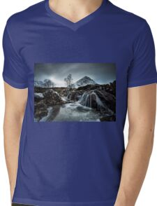 Buachaille Etive Mòr Waterfall Mens V-Neck T-Shirt