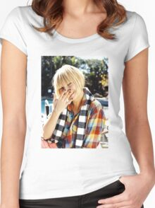 Sia2 Women's Fitted Scoop T-Shirt