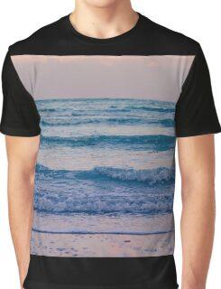 Ocean calls Graphic T-Shirt