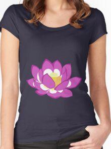 fleur de lotus Women's Fitted Scoop T-Shirt