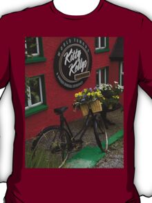 Kitty Kelly's restaurant, Donegal - tall T-Shirt