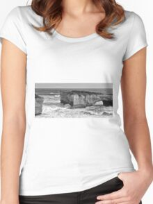 View of the iconic London Bridge in Victoria. Black and White. Women's Fitted Scoop T-Shirt