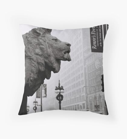 Art Institute Lion - Chicago, IL Throw Pillow