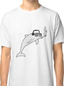 party dj kopfhörer joint rauchen drogen kiffen kiffer cool weed hanf brille delfin springen süß niedlich  Classic T-Shirt