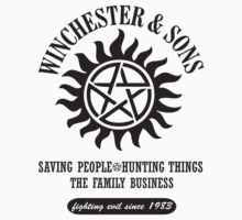 T-SHIRT SUPERNATURAL WINCHESTER & SONS T-Shirt