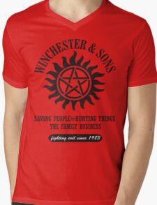 T-SHIRT SUPERNATURAL WINCHESTER & SONS Mens V-Neck T-Shirt