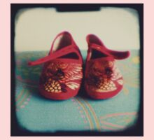 Tiny toes - red chinese baby shoes One Piece - Short Sleeve