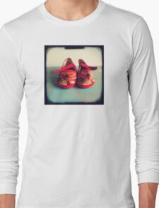 Tiny toes - red chinese baby shoes Long Sleeve T-Shirt