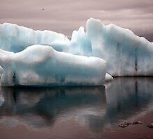 Jökulsarlon lagoon - Iceland by John Kleywegt