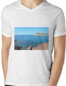 30 September 2016 The Red Beach on the Greek Island of Santorini Mens V-Neck T-Shirt