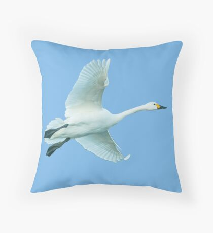 Bewick Swan in flight Throw Pillow