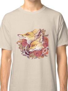 a pair of foxes love Classic T-Shirt