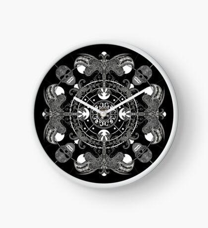 EP. HYPNOTICSKULL VI Clock