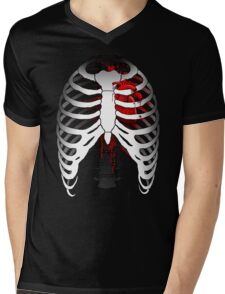 Love hurts... (Ribcage with heart) Mens V-Neck T-Shirt