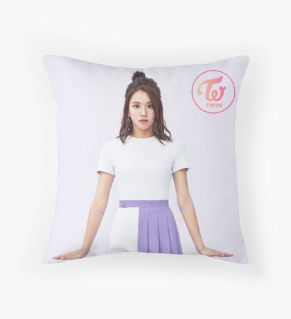 chaeyoung Throw Pillow
