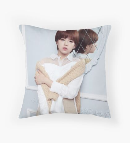 jeongyeon twice Throw Pillow