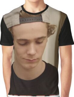 """SKAM"" Isak Graphic T-Shirt"