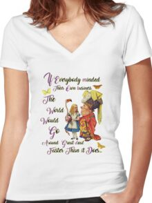 Alice with The Duchess Vintage Dictionary Art Women's Fitted V-Neck T-Shirt