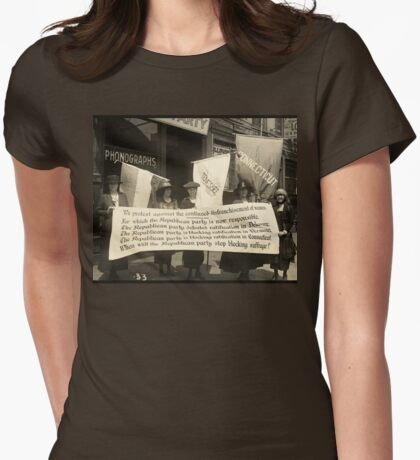 Suffragettes picketing the Republican convention, Chicago, June 1920 Womens Fitted T-Shirt