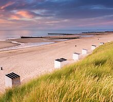 Beach cabins at Domburg by Natuuraandemuur