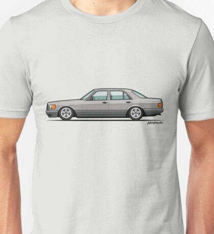 MB W126 500SEL Brillantsilber Low on Pentas Unisex T-Shirt