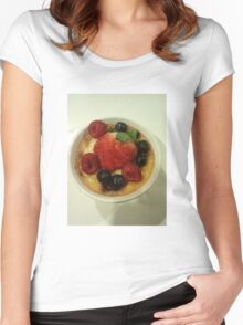 Creme Brûlée and Berries  Women's Fitted Scoop T-Shirt
