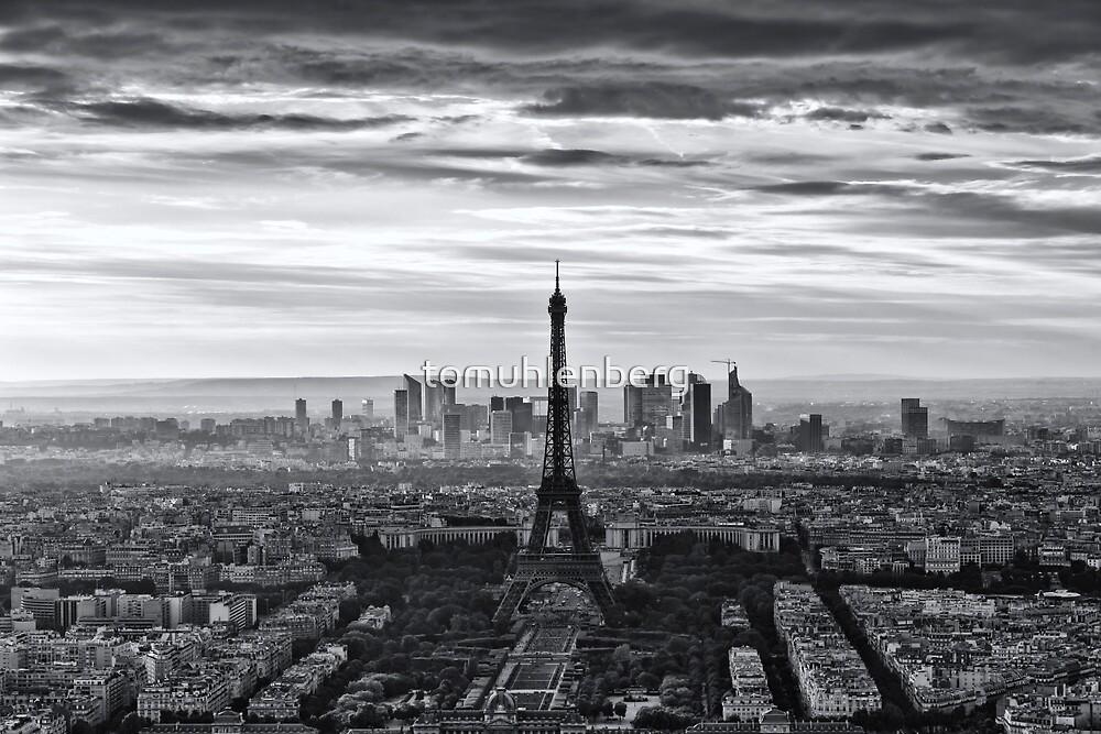 PARIS 10 by Tom Uhlenberg