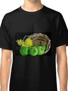 Green apples Classic T-Shirt
