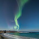 Auroras at the beach by Frank Olsen