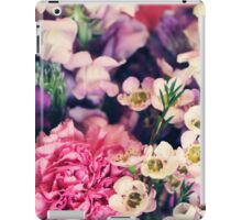 Mixed Flowers with Pink Peonie iPad Case/Skin
