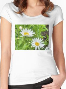 Daisy in the Garden Women's Fitted Scoop T-Shirt
