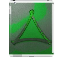 Warped Triangle In Green iPad Case/Skin