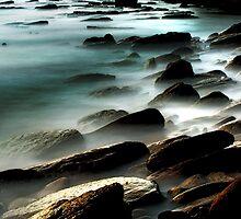 Avalon beach by Alex Lau